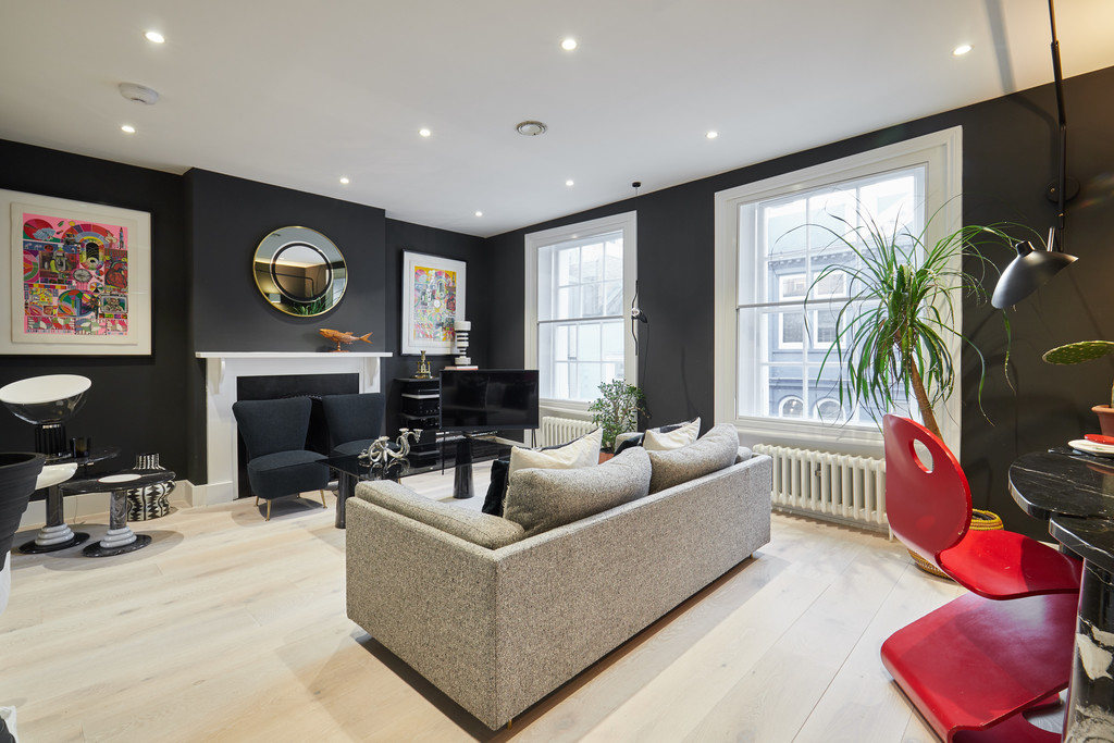 Soho apartment to let